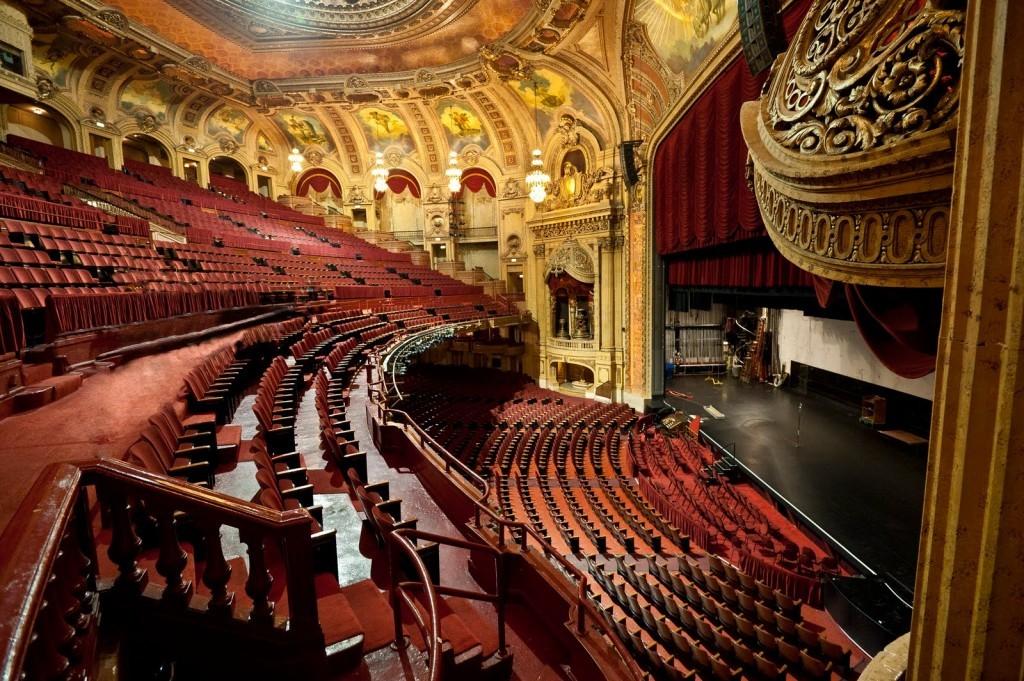 ChicagoTheaterInside