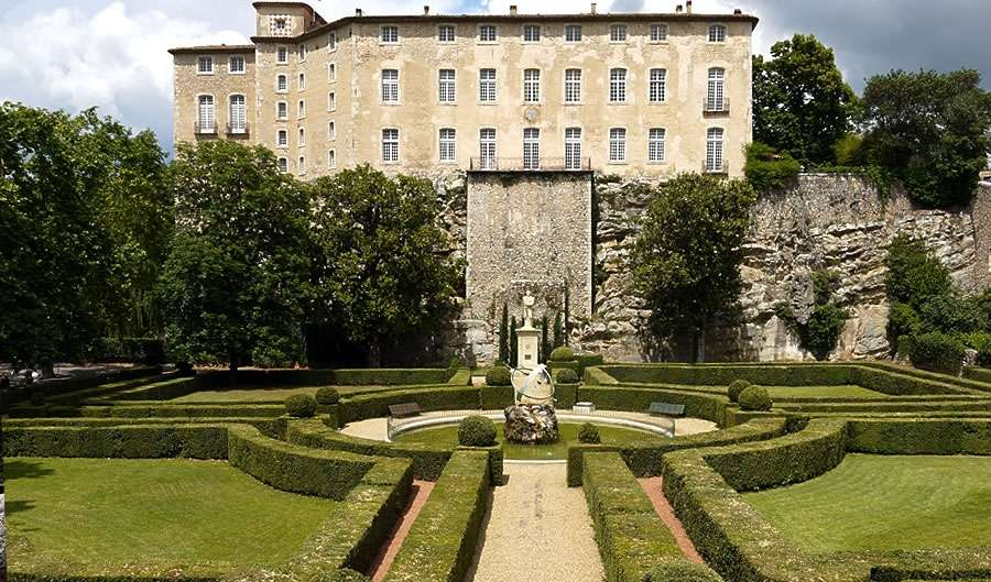 Castle of Entrecasteaux